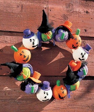 Halloween-Head-Wreath_full_article_vertical (1).jpg