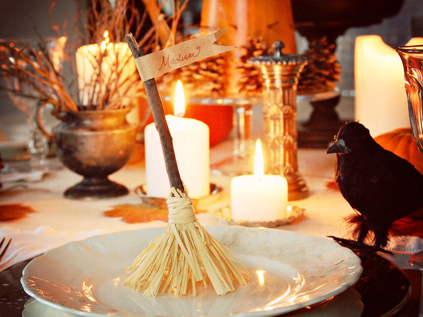 original_Marian-Parsons-witchs-broomstick-place-card-beauty-1_s4x3_lg.jpg