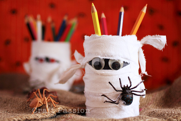 halloween-mummy-pencil-holder_craftpassion-com.jpg